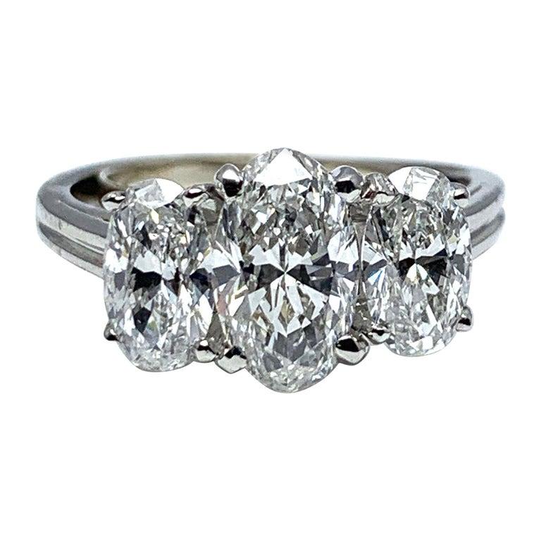 Oscar Heyman & Brothers 2.46 Carat Three Oval Brilliant Diamond Platinum Ring For Sale