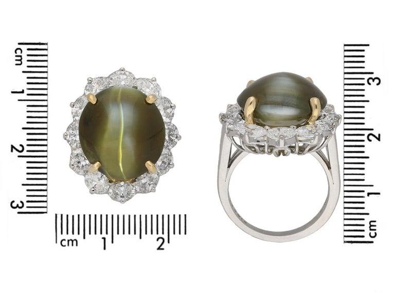 Women's or Men's Oscar Heyman Brothers Chrysoberyl Cat's Eye and Diamond Ring, American, circa 20 For Sale