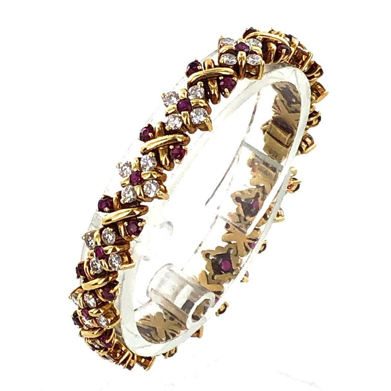 Modern Oscar Heyman Diamond Ruby 18 Karat Yellow Gold Link Bracelet For Sale