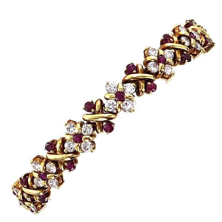 Women's Oscar Heyman Diamond Ruby 18 Karat Yellow Gold Link Bracelet For Sale