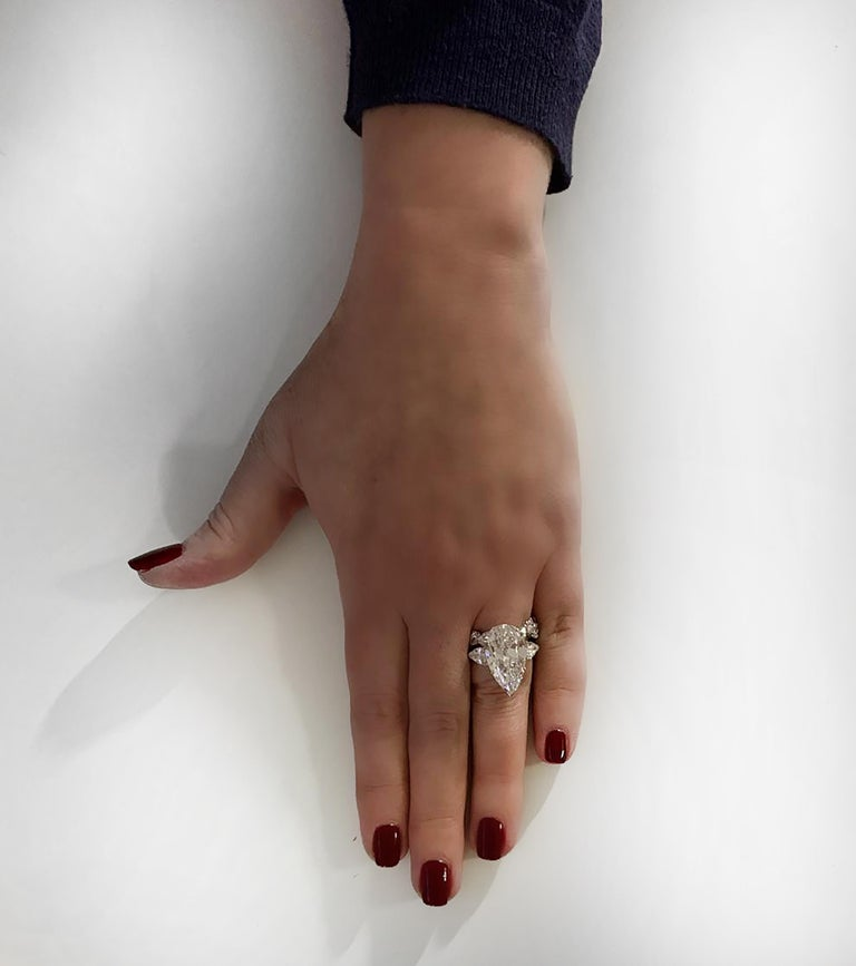 Pear Cut Oscar Heyman GIA Certified 8.04 Carat Pear Shape Diamond Wedding Set For Sale