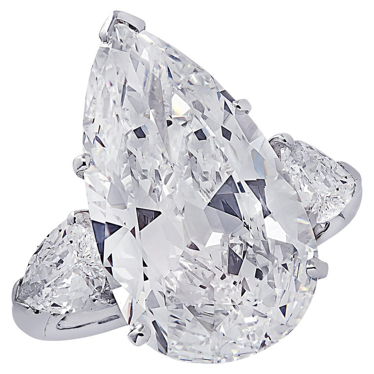Oscar Heyman GIA Certified 8.04 Carat Pear Shape Diamond Wedding Set For Sale