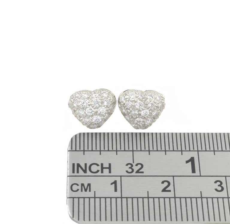 Oscar Heyman Platinum Diamond Heart Earrings In Good Condition For Sale In Los Angeles, CA