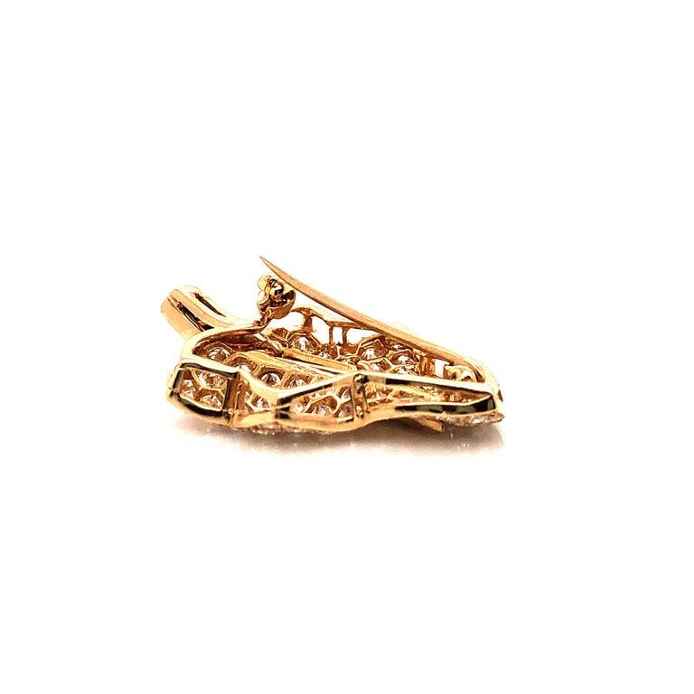 Contemporary Oscar Heyman Small Gold Pave Diamond Maple Leaf Brooch For Sale
