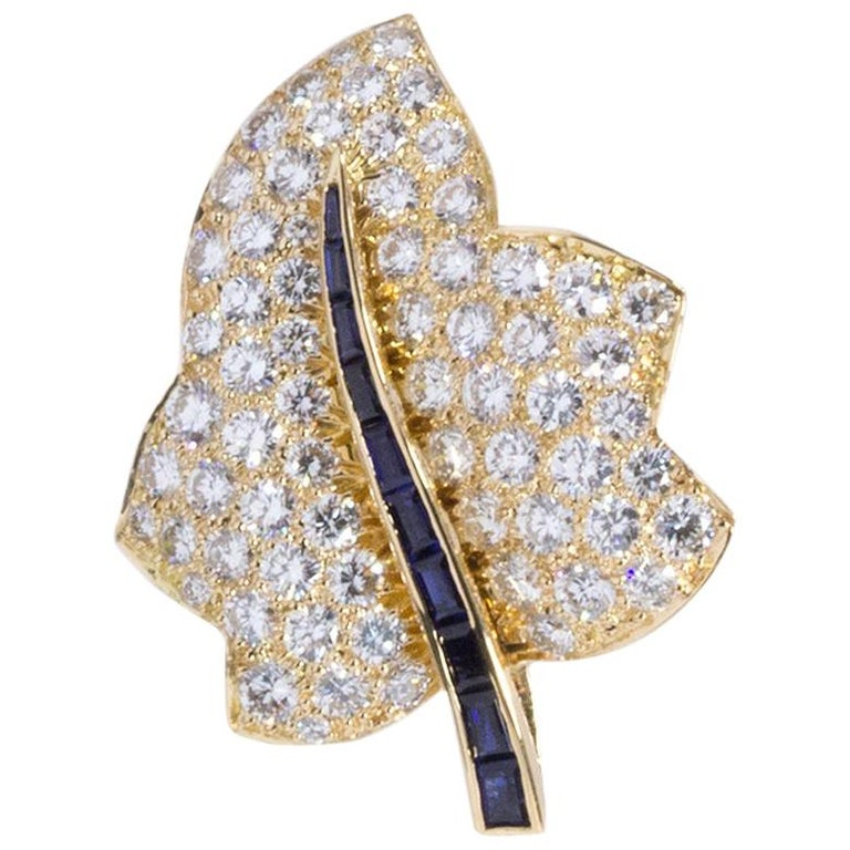Oscar Heyman Small Gold Pave Diamond Maple Leaf Brooch For Sale