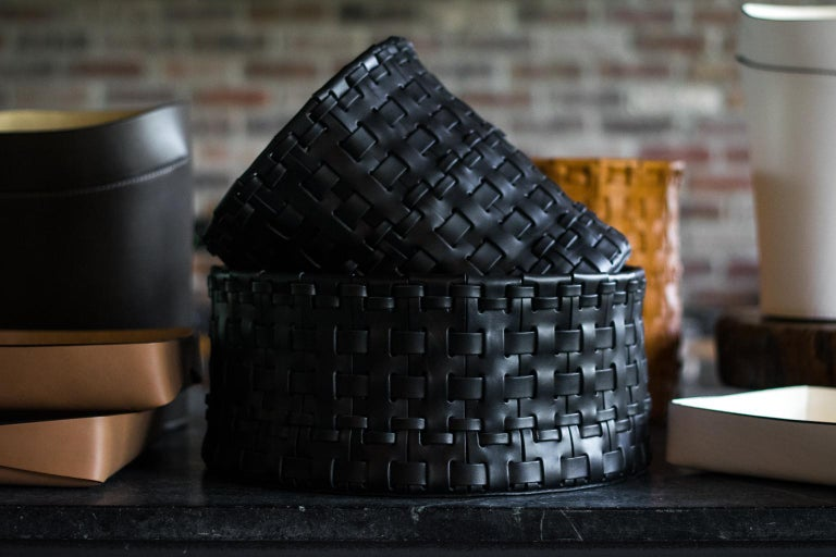 Hand-Woven Oscar Maschera Woven Leather Wastebasket For Sale