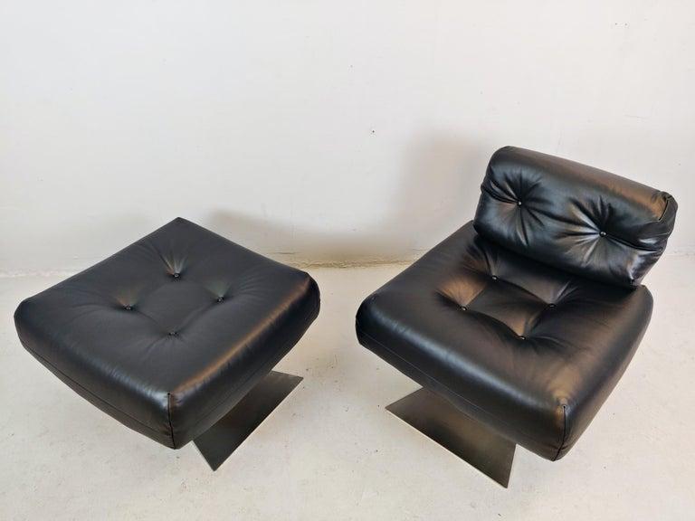 Oscar Niemeyer Chair and Ottoman Model Alta, circa 1970 For Sale 5