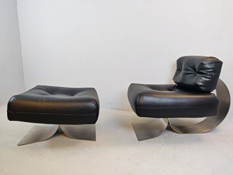 Mid-Century Modern Oscar Niemeyer Chair and Ottoman Model Alta, circa 1970 For Sale