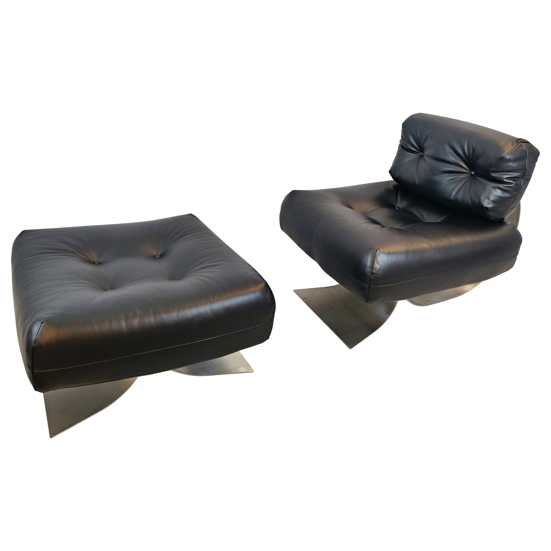 Oscar Niemeyer Chair and Ottoman Model Alta, circa 1970