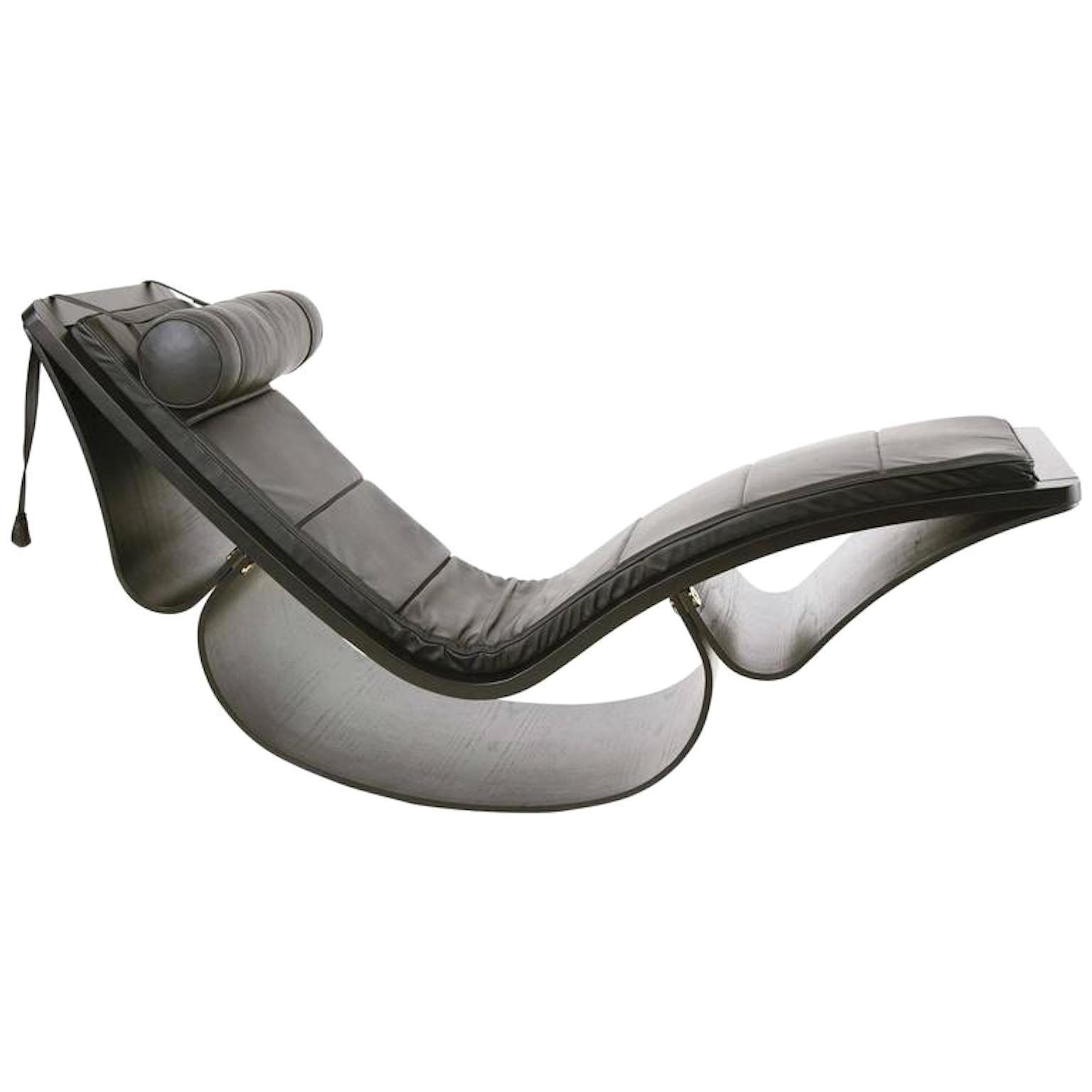 Oscar Niemeyer Chaise Lounge Model Rio Prod. Fasem, Italy