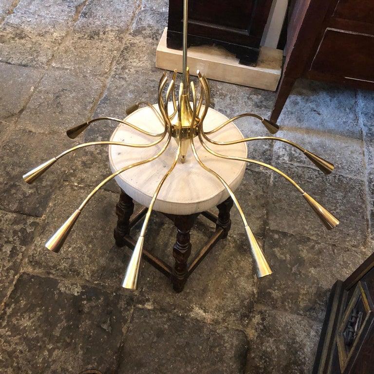 Oscar Torlasco Attributed Mid-Century Modern Brass Ten-Light Chandelier For Sale 5