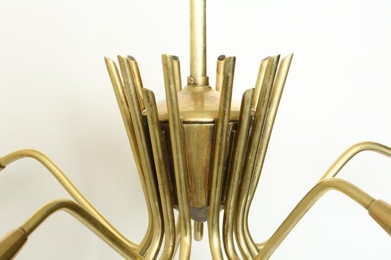 Sputnik Oscar Torlasco Style Brass Chandelier In Good Condition For Sale In Brooklyn, NY