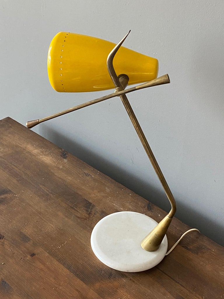 Mid-Century Modern Oscar Torlasco, Table Lamp, Lacquered Metal, Brass, Marble, Lumen Milano, 1950s For Sale