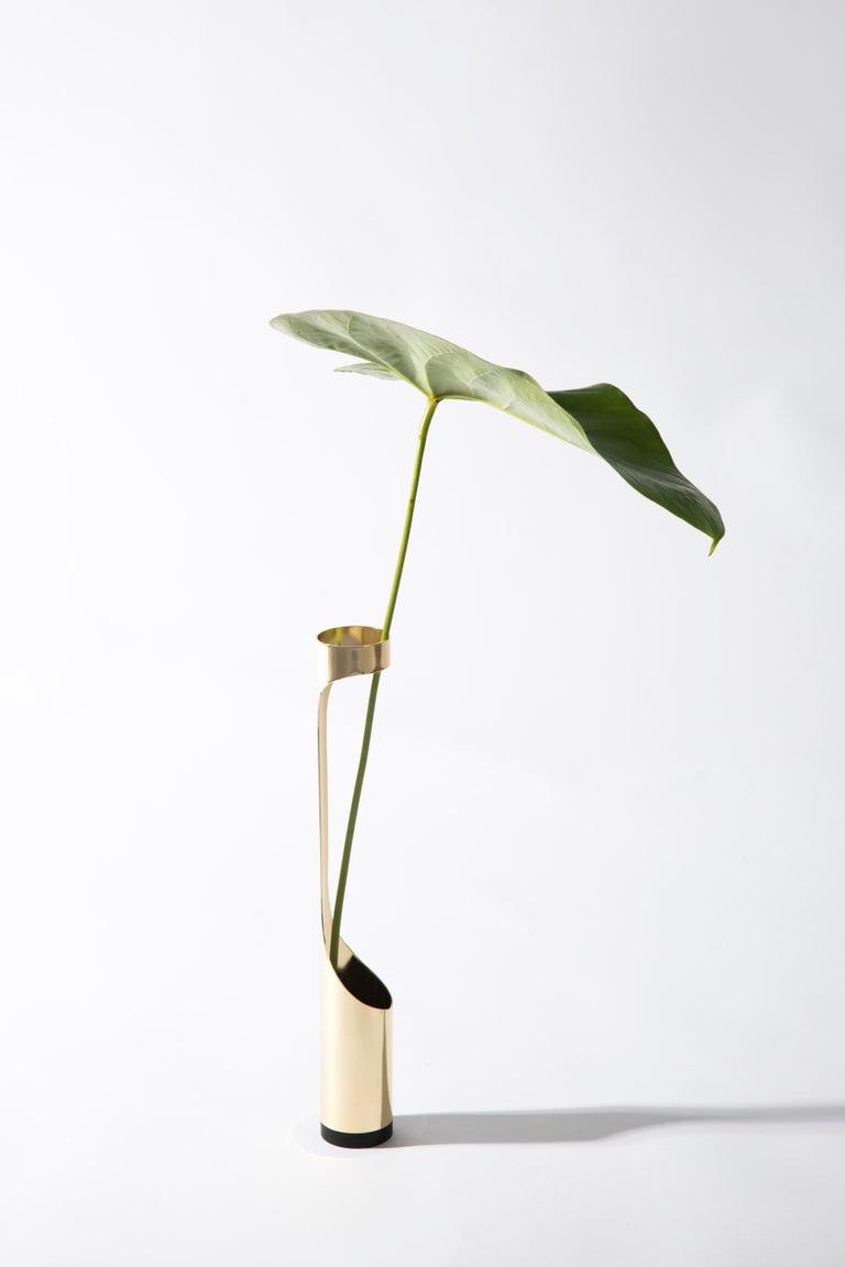 Brass Oscar Vase by Decarvalho Atelier, Brazilian Contemporary Design For Sale