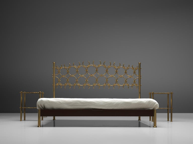 Italian Osvaldo Borsani & Arnaldo Pomodoro Elegant Bed with Brass Details For Sale
