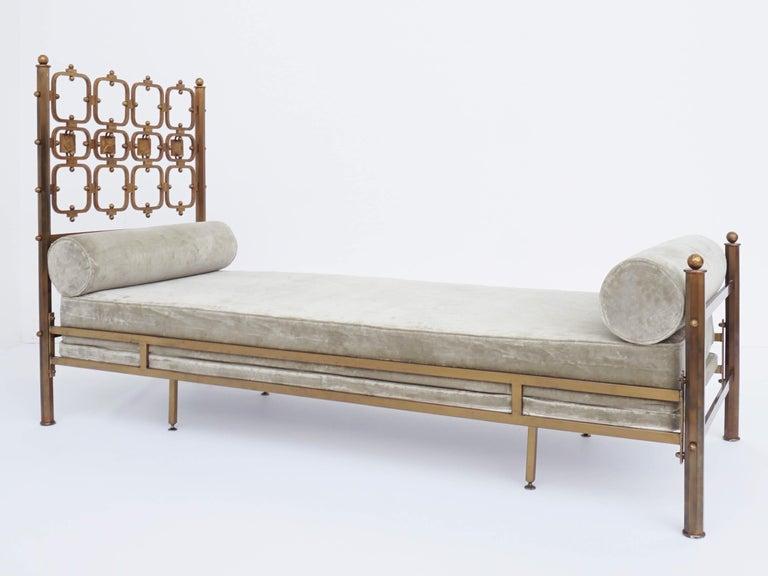 Italian Osvaldo Borsani Atelier and Analdo Pomodoro Cast Brass Artist Day Bed For Sale