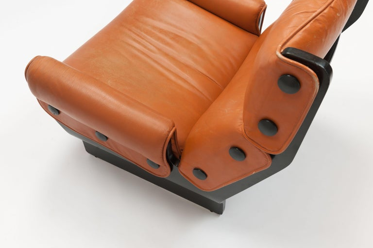 Osvaldo Borsani 'Canada' Lounge Chair by Tecno in Original Leather For Sale 5