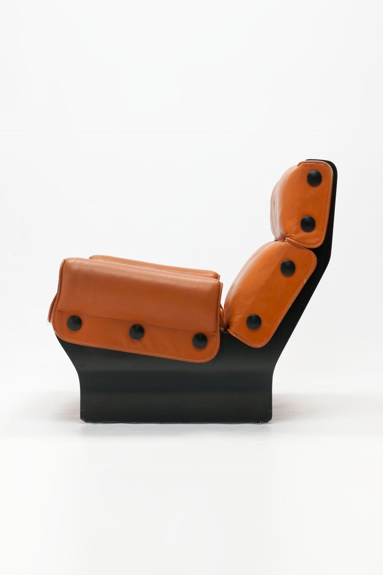 Osvaldo Borsani 'Canada' Lounge Chair by Tecno in Original Leather For Sale 12