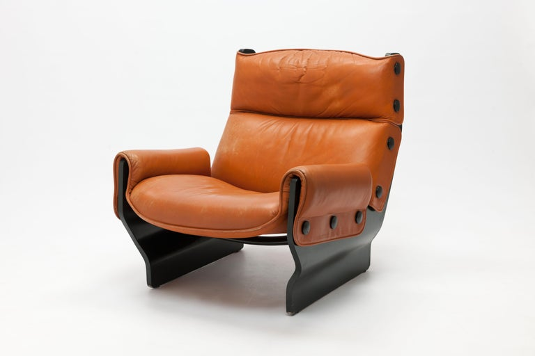 All original 1970s P110 / 'Canada' lounge chair by Osvaldo Borsani for Tecno, Italy.