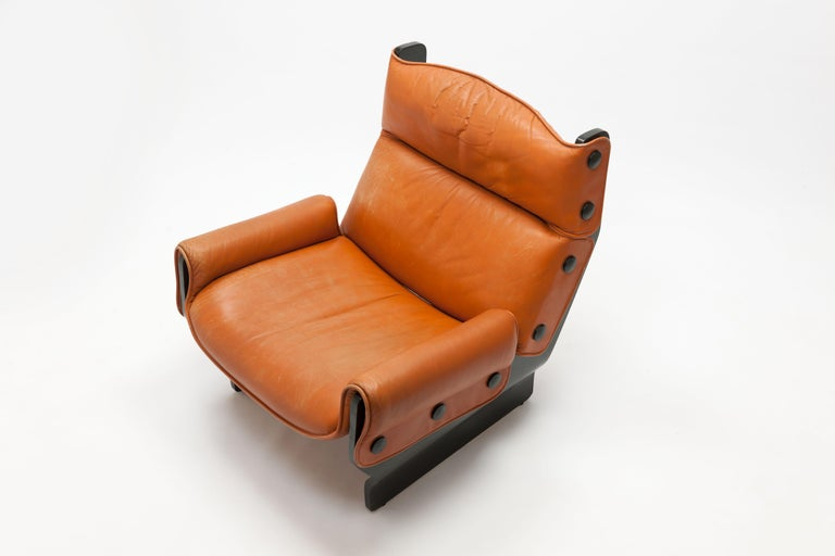 Osvaldo Borsani 'Canada' Lounge Chair by Tecno in Original Leather In Fair Condition For Sale In Utrecht, NL