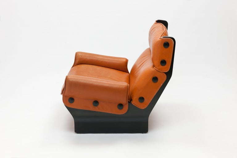 Mid-20th Century Osvaldo Borsani 'Canada' Lounge Chair by Tecno in Original Leather For Sale