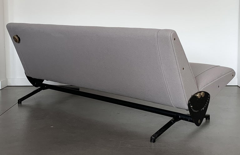 Osvaldo Borsani D70 Daybed Sofa for Tecno For Sale 3