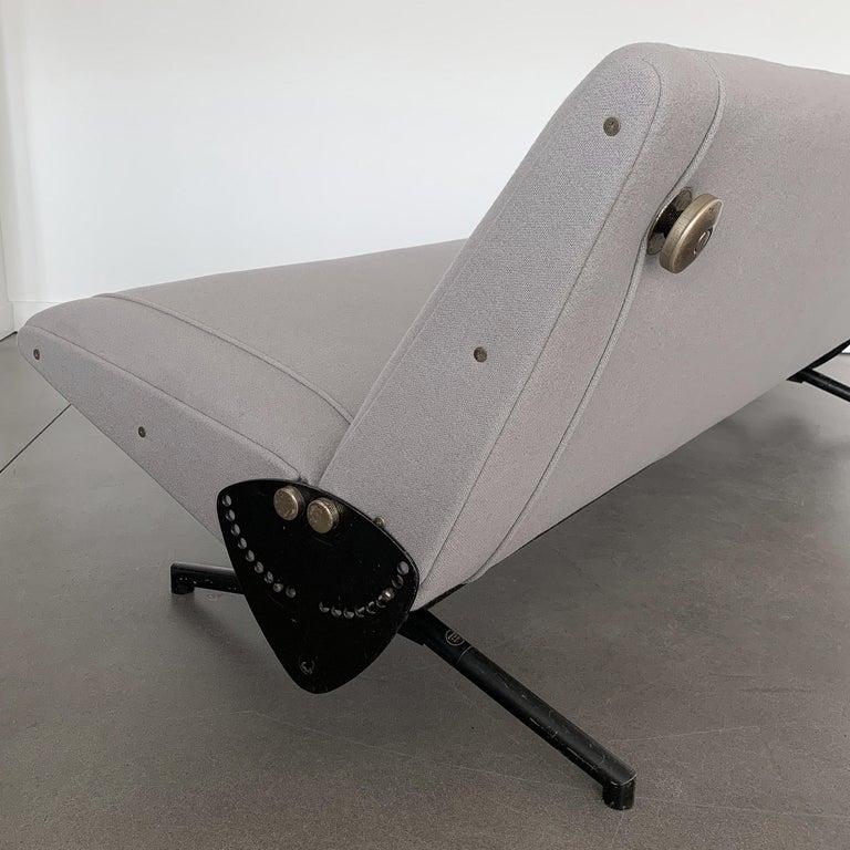 Osvaldo Borsani D70 Daybed Sofa for Tecno For Sale 6