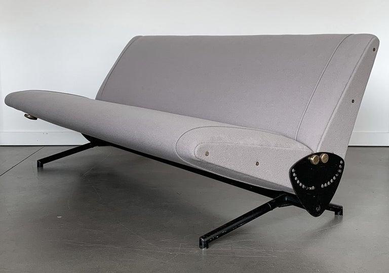 Osvaldo Borsani D70 Daybed Sofa for Tecno For Sale 8