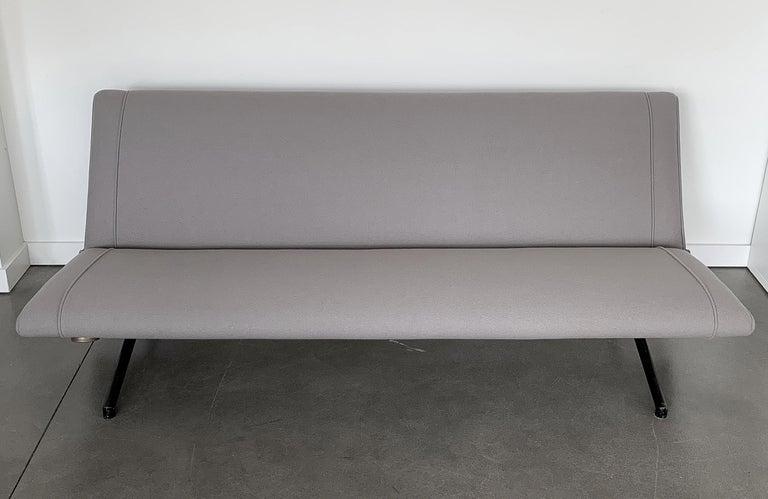 Osvaldo Borsani D70 Daybed Sofa for Tecno For Sale 9