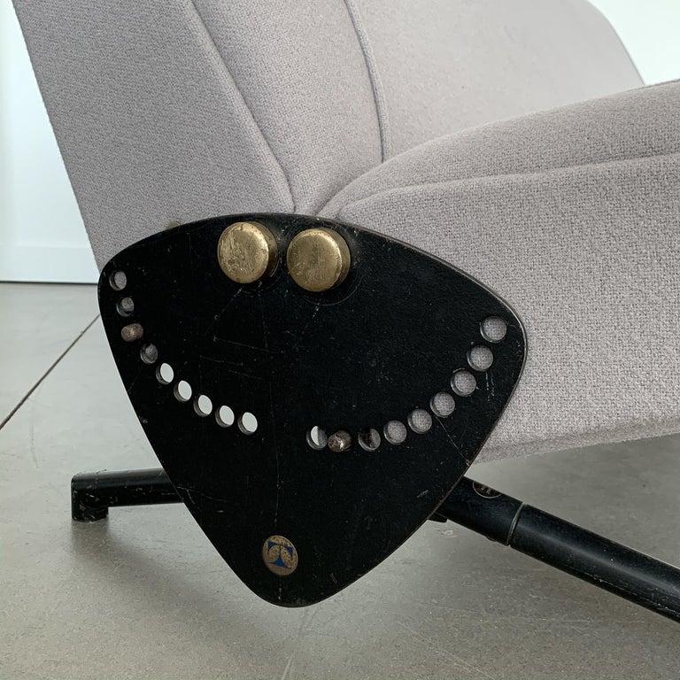 Osvaldo Borsani D70 Daybed Sofa for Tecno For Sale 11