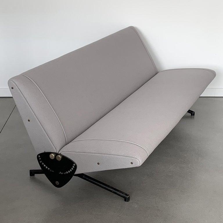 Mid-Century Modern Osvaldo Borsani D70 Daybed Sofa for Tecno For Sale
