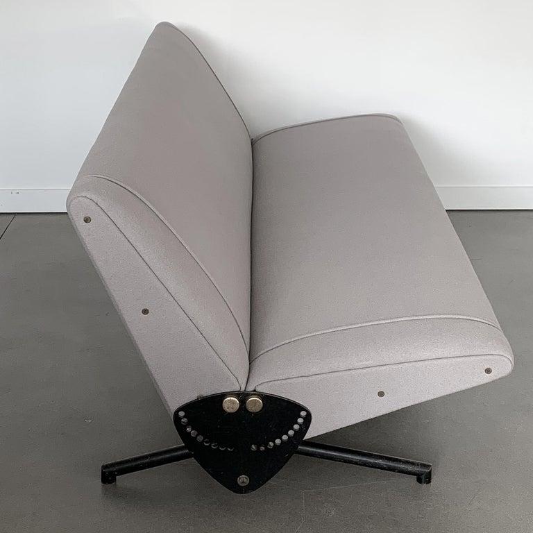 Italian Osvaldo Borsani D70 Daybed Sofa for Tecno For Sale
