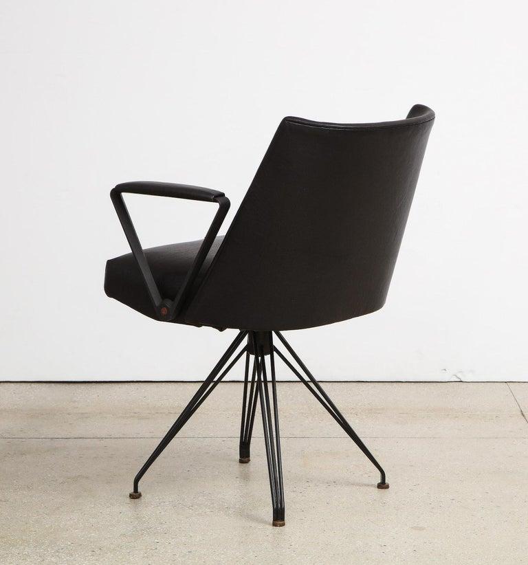 Osvaldo Borsani Desk Chair In Good Condition For Sale In New York, NY