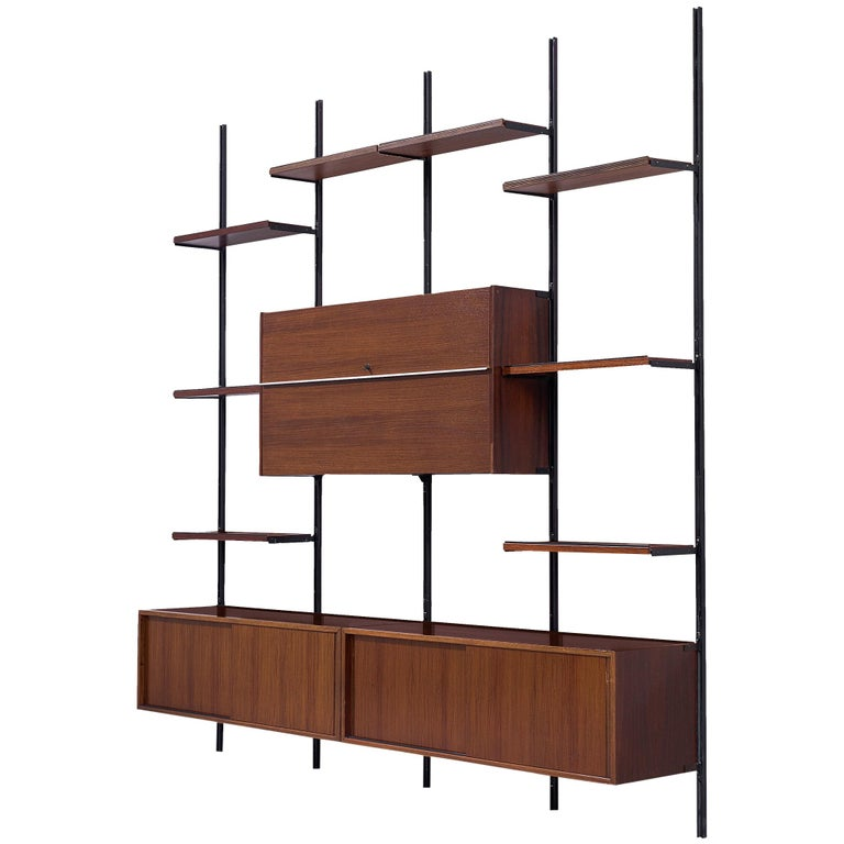 Osvaldo Borsani E22 Modular Wall Unit in Walnut For Sale