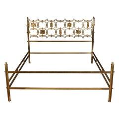 Osvaldo Borsani Elegant Bed with Brass Details by Arnaldo Pomodoro, 1950
