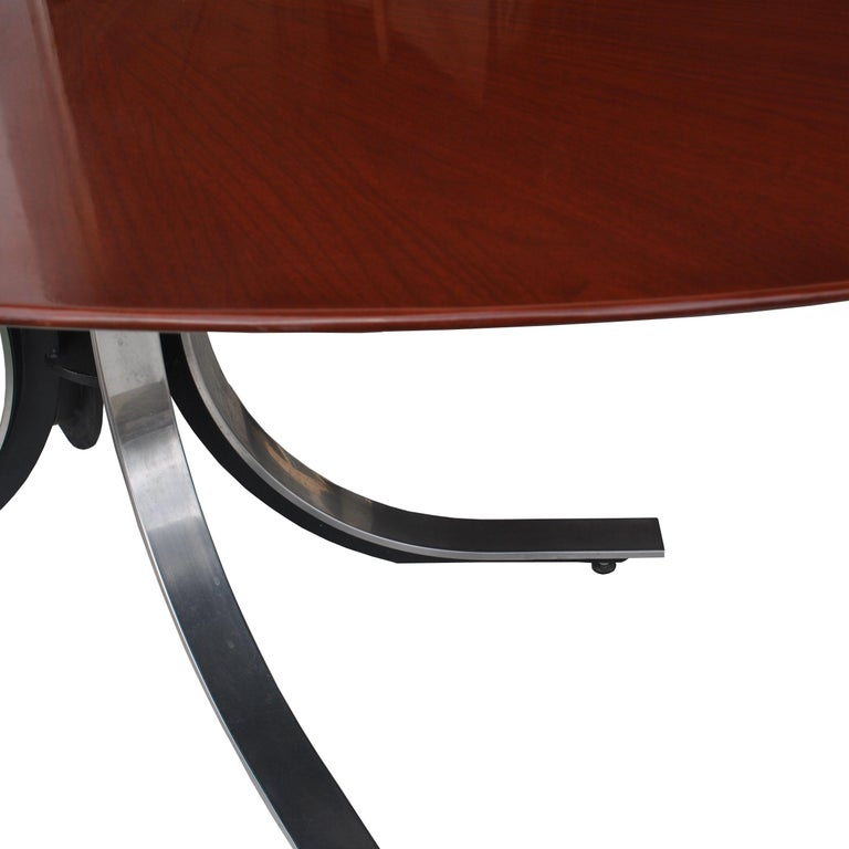 Stow Davis Oval Dining Conference Table In Good Condition For Sale In Pasadena, TX