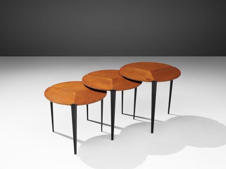 Osvaldo Borsani for Tecno Set of Nesting Tables in Teak In Good Condition For Sale In Waalwijk, NL