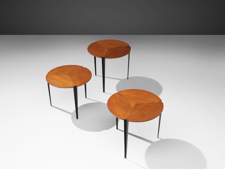 Mid-20th Century Osvaldo Borsani for Tecno Set of Nesting Tables in Teak For Sale