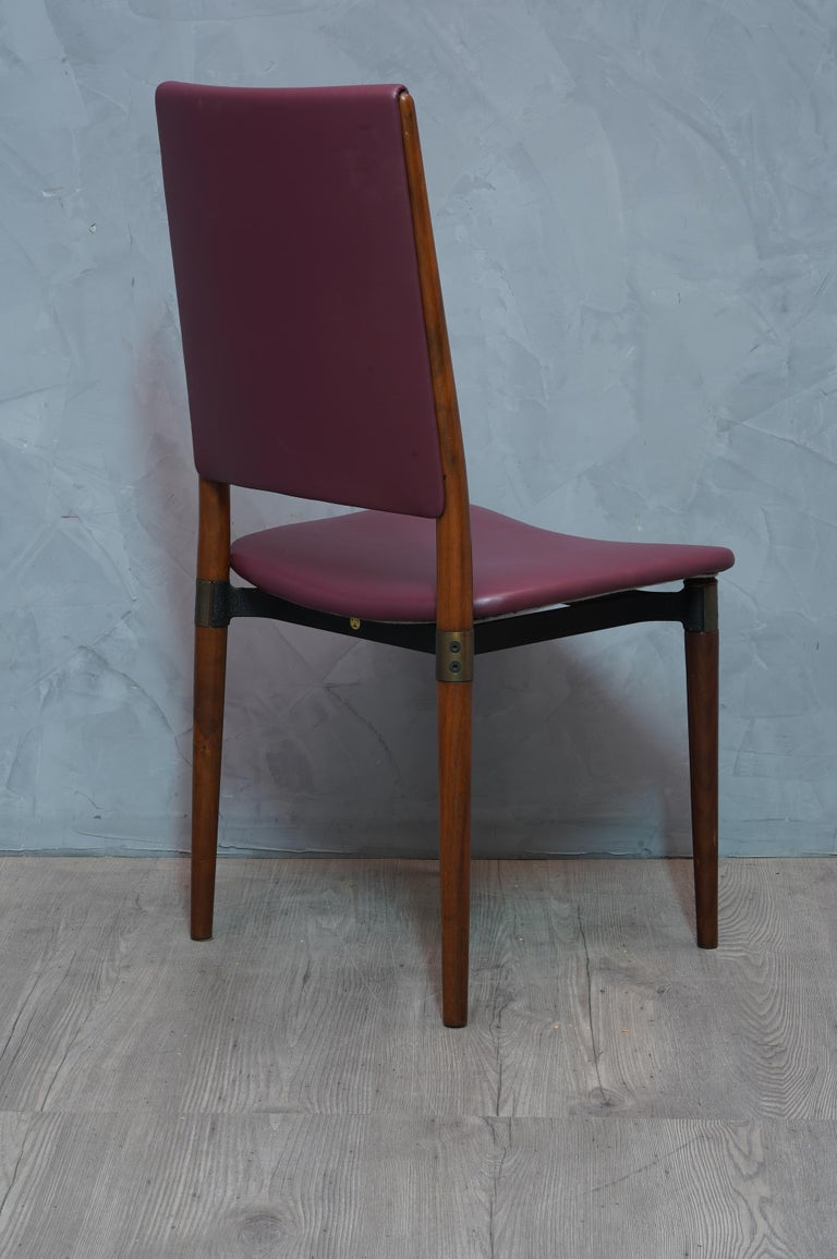 Osvaldo Borsani for Tecno Wood and Leather Chairs, 1960 In Excellent Condition For Sale In Rome, IT