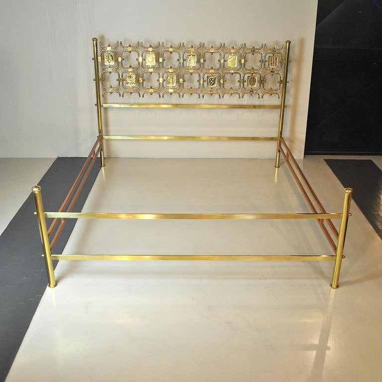 Mid-Century Modern Osvaldo Borsani Italiano Midcentury Bed Totally in Brass For Sale