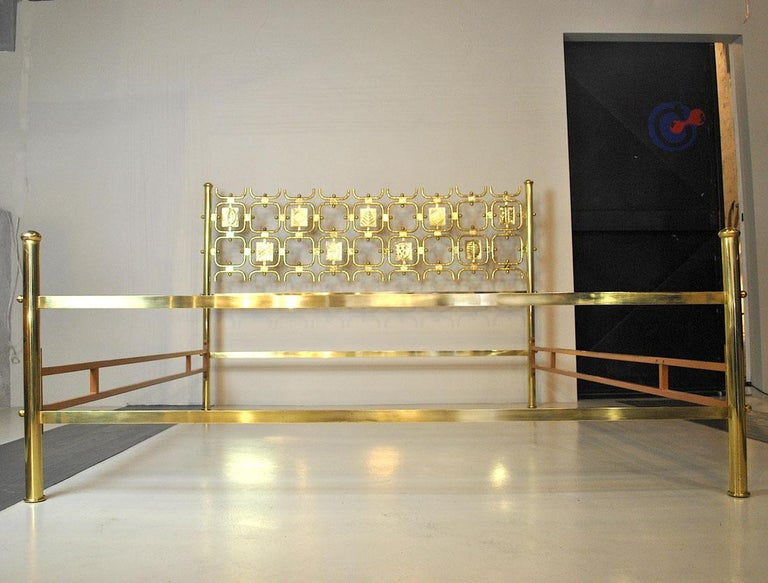 Mid-20th Century Osvaldo Borsani Italiano Midcentury Bed Totally in Brass For Sale