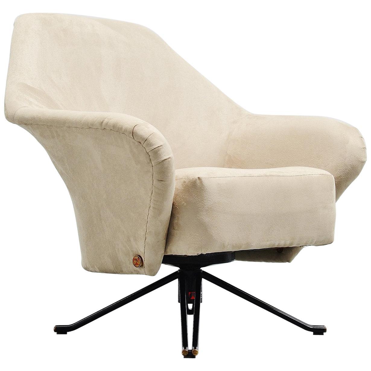 Osvaldo Borsani P32 Lounge Chair Tecno, Italy, 1956
