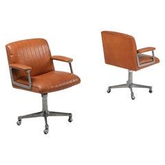 Osvaldo Borsani Pair of Cognac P126 Swivel Chairs for Tecno, Italy, 1960s
