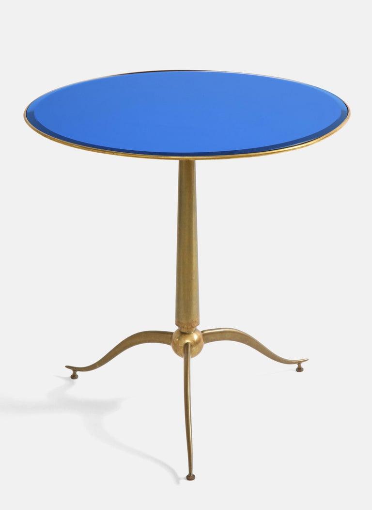 Mid-Century Modern Osvaldo Borsani Rare Pair of Side Tables in Brass and Blue Glass For Sale