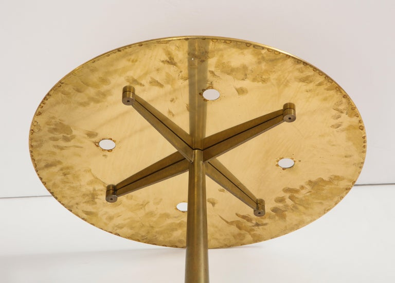Osvaldo Borsani Rare Pair of Side Tables in Brass and Blue Glass For Sale 4