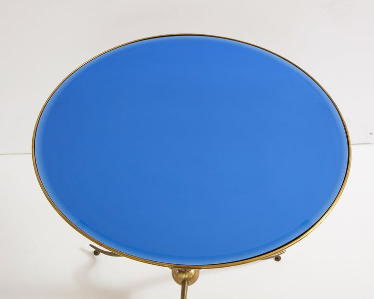 Osvaldo Borsani Rare Pair of Side Tables in Brass and Blue Glass In Good Condition For Sale In New York, NY