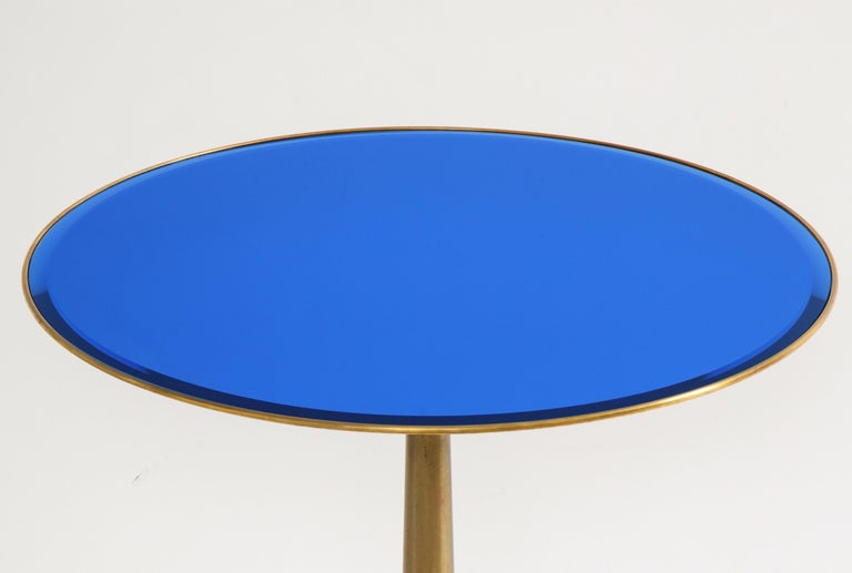 Polished Osvaldo Borsani Rare Pair of Side Tables in Brass and Blue Glass For Sale