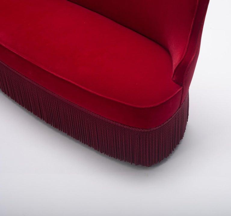 Osvaldo Borsani Red Velvet Banquette For Sale 1