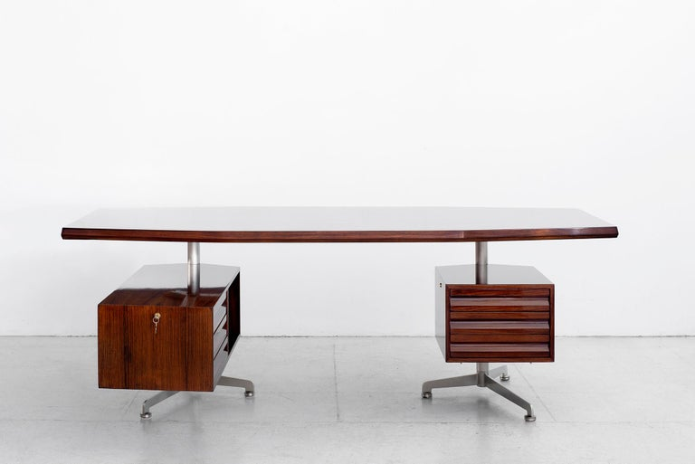 Osvaldo Borsani Rosewood Desk In Good Condition For Sale In Los Angeles, CA
