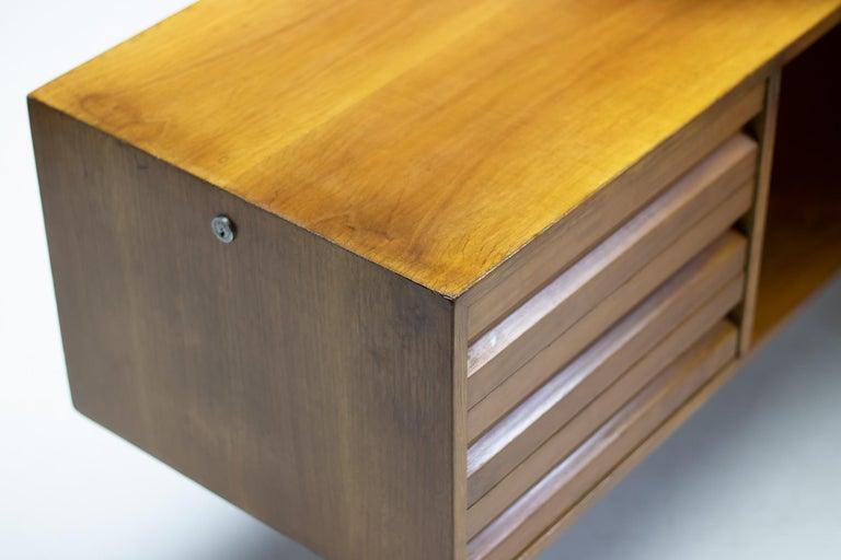 Italian Osvaldo Borsani T95 Executive Desk with Matching Desk Chair For Sale